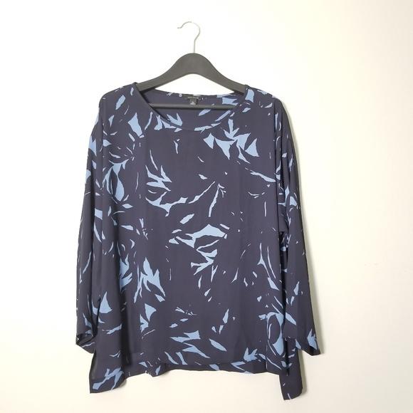 e430cf7f6cbfc Ann Taylor Tops - NWOT Ann Taylor Drop Shoulder Leaf Print Blouse